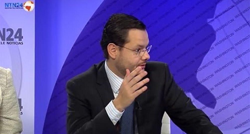 """Juan Carlos Hidalgo comenta la baja popularidad de Obama en """"Club de Prensa"""" de NTN24"""