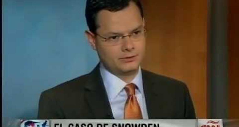 """Juan Carlos Hidalgo comenta el caso Snowden en """"Directo USA"""" de CNN en Español"""