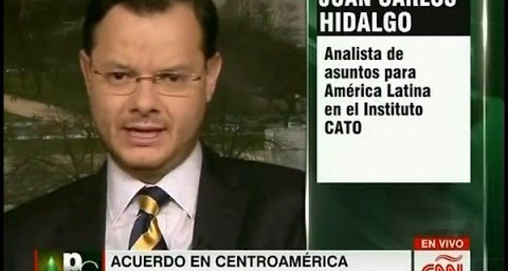 Juan Carlos Hidalgo comenta la crisis de los refugiados cubanos en Centroamérica en CNN en Español